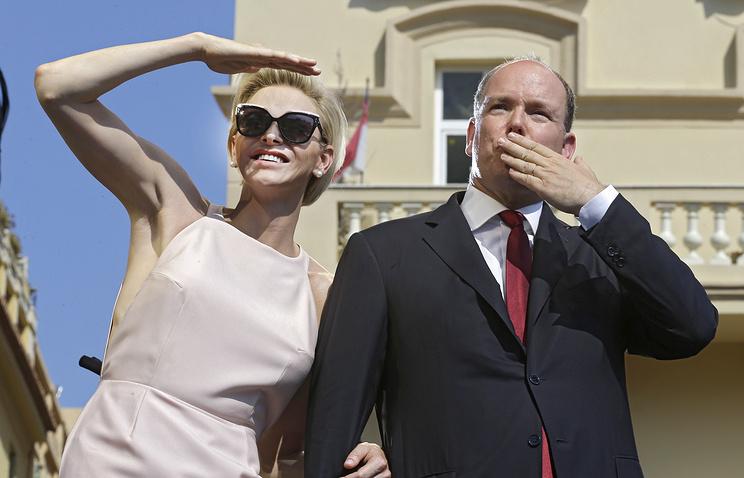 Князь Монако Альбер II и его супруга княгиня Шарлен