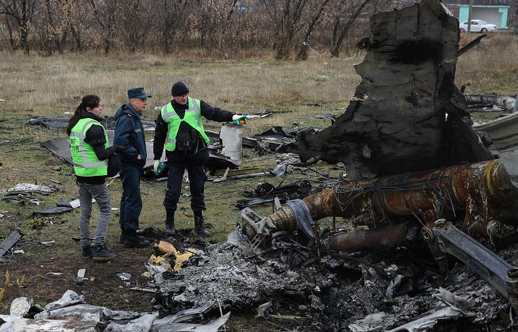На месте крушения Boeing в Донецкой области, 16 ноября 2014 года