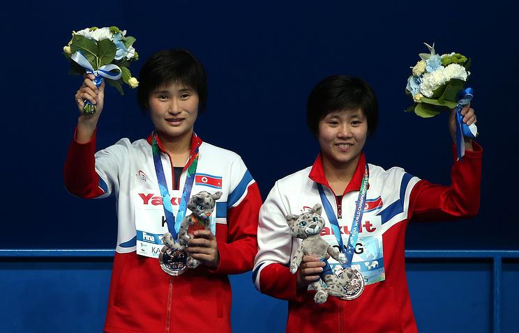 Спортсменки из КНДР Ким Ун Хян и Сон Нам Хян
