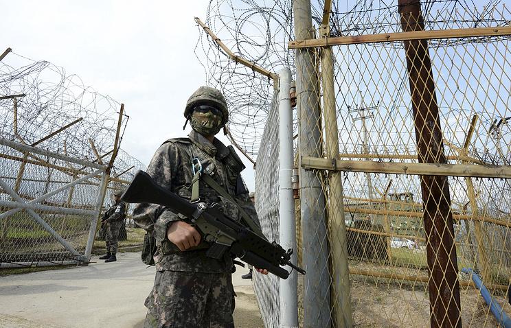 Солдат южнокорейской армии на границе