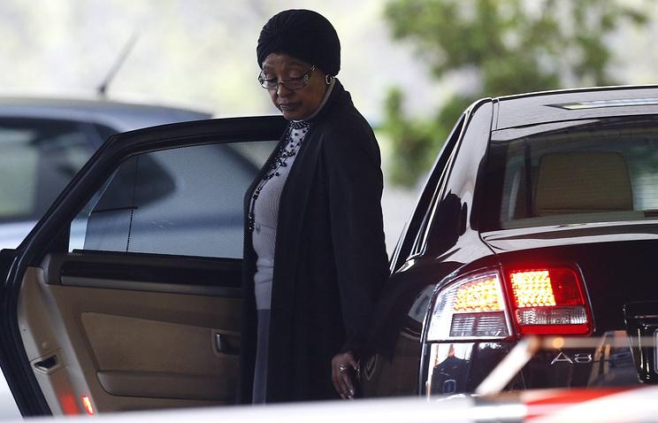 Бабушка подозреваемого и вторая супруга Манделы Винни Мадикизела-Мандела