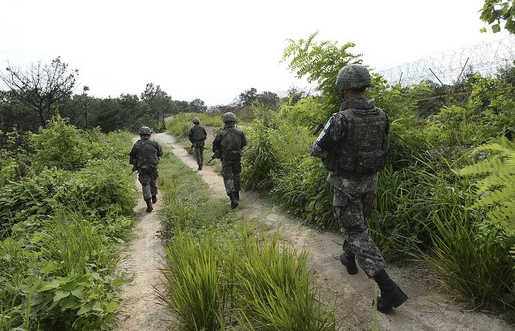 Южнокорейские солдаты в районе Демилитаризованной зоны
