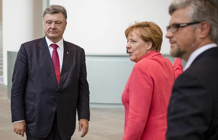 Президент Украины Петр Порошенко и федеральный канцлер ФРГ Ангела Меркель