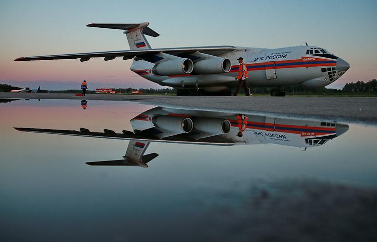 Самолет МЧС России Ил-76