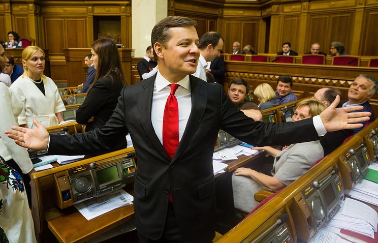 Олег Ляшко во время заседания Верховной рады