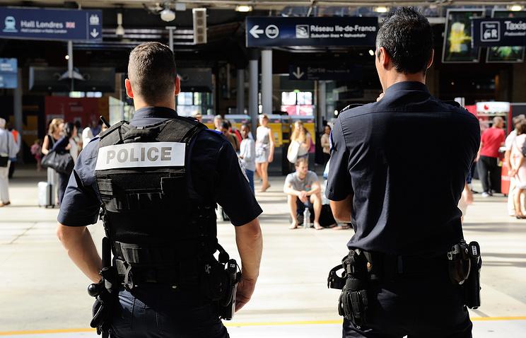 Французские полицейские, архив