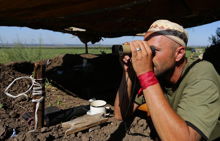 Ополченец Донецкой народной республики на боевых позициях