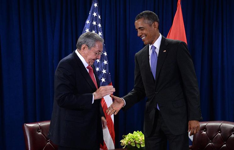 Председатель Государственного совета и Совета министров Кубы Рауль Кастро и президент США Барак Обама