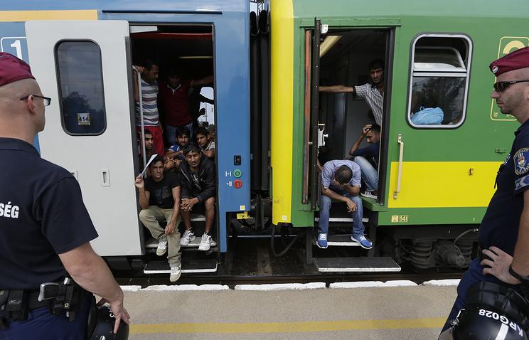 Мигранты на вокзале Бичке в Будапеште