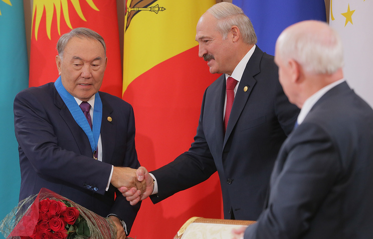 Президент Казахстана Нурсултан Назарбаев и президент Белоруссии Александр Лукашенко