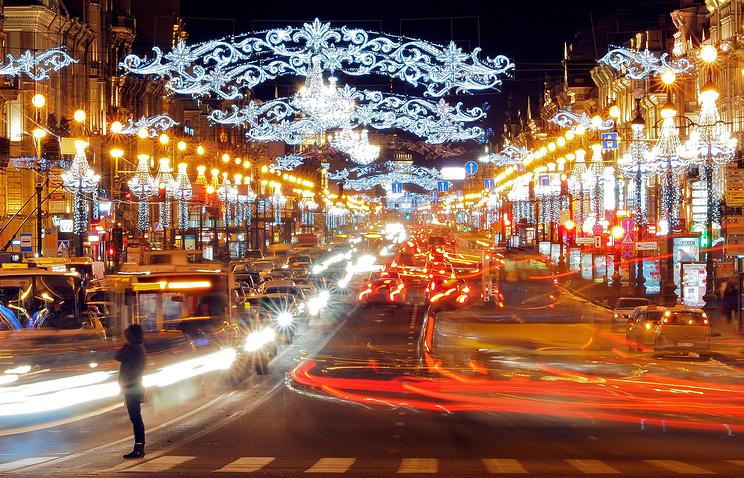 Новогодняя иллюминация на Невском проспекте