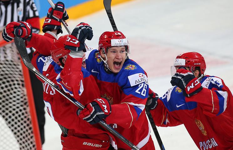 Хоккеисты молодежной сборной России