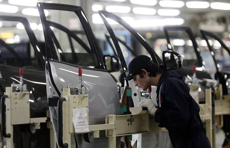 В цеху автомобильного завода Nissan