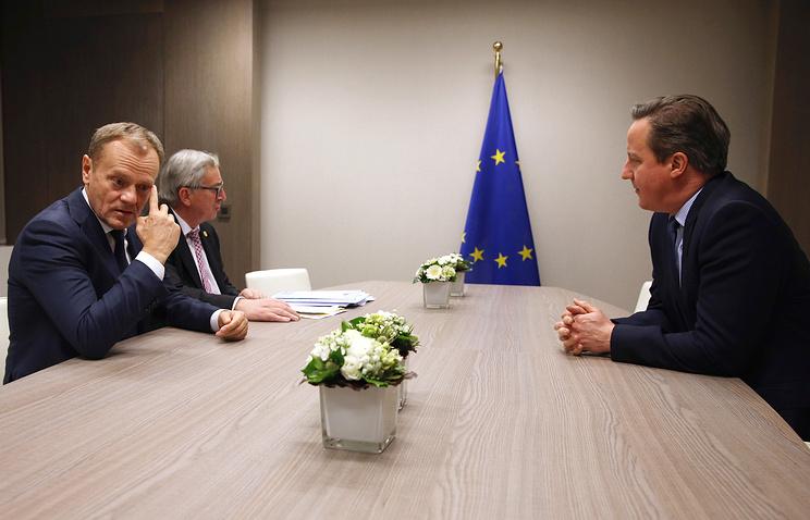 Глава Европейского совета Дональд Туск, глава Еврокомиссии Жан-Клод Юнкер и премьер-министр Великобритании Дэвид Кэмерон