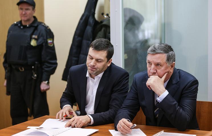 Адвокат Андрей Кандауров и бывший главнокомандующий Сухопутных войск РФ Владимир Чиркин