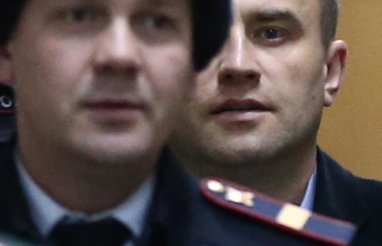 Вячеслав Некрасов (справа)