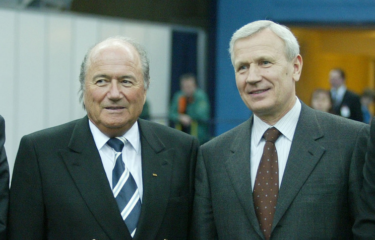 Президент ФИФА Йозеф Блаттер и глава РФС Вячеслав Колосков, 18 января 2003 года