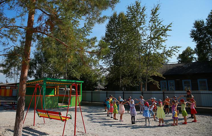 Почти 350 тысяч мест в детских садах создано в России в 2015 году