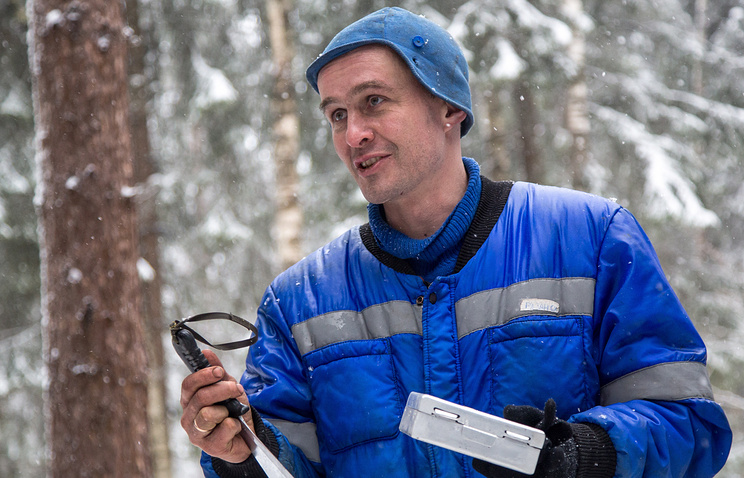 Космонавт Сергей Рязанский во время тренировки по выживанию в труднодоступной местности в зимний период, февраль 2016 года