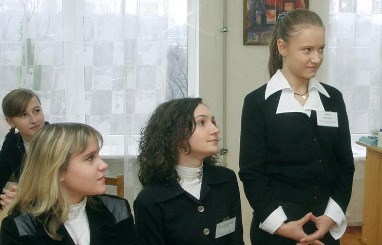 Украинские школьники заплатят за рвение столицы Украины вЕС лишним годом учебы