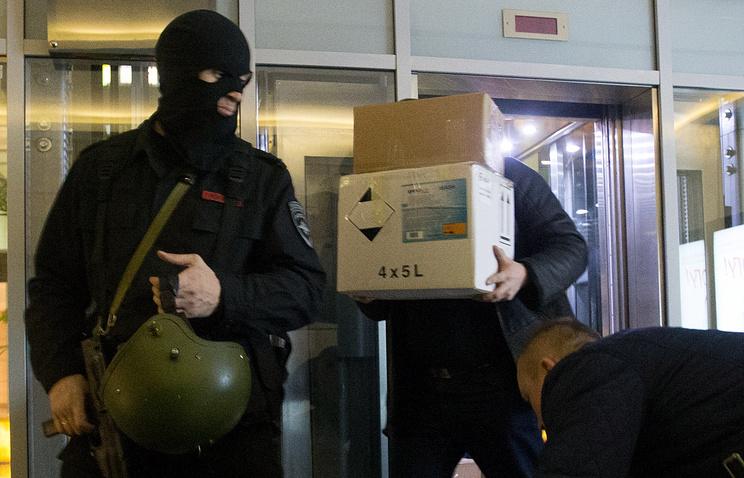 У руководителя  новосибирского отделения партии ПАРНАС Егора Савина изъяли литературу сосвастикой