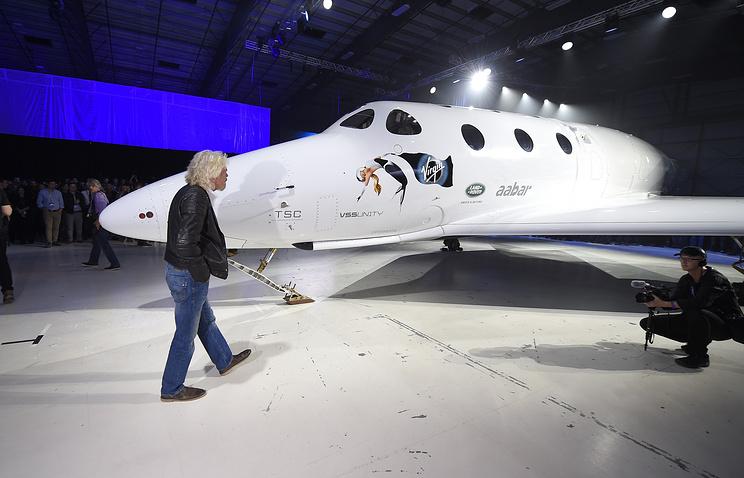 Virgin Galactic может уже вбудущем году доставить вкосмос туристов