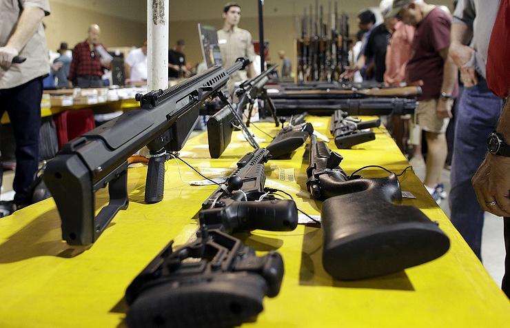 Сенат США отказался ужесточать контроль над оружием после бойни вОрландо