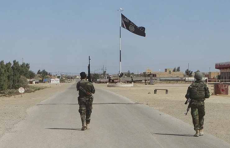 Исламские боевики представили фотографии сзахваченным вооружением солдат США вАфганистане