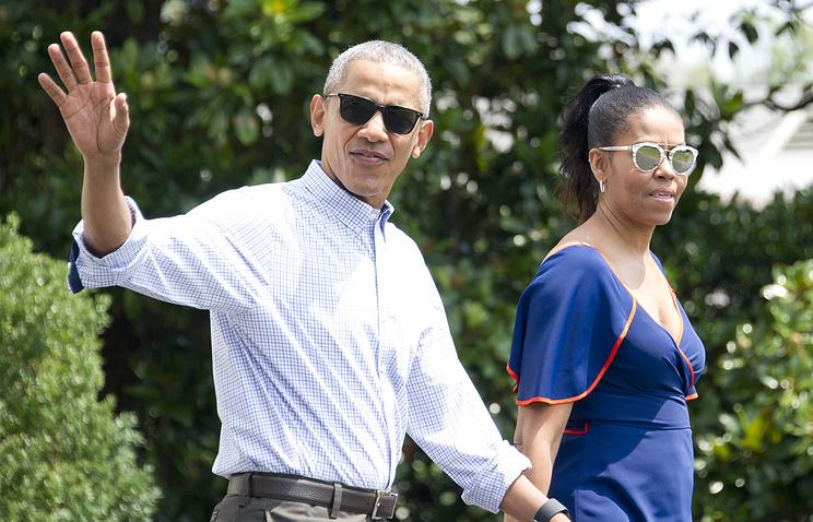Обама вотпуске слушает песни Джей ЗииПринса