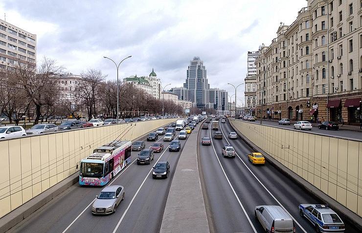 Некоторые участки Садового кольца в российской столице закроют для укладки нового асфальта