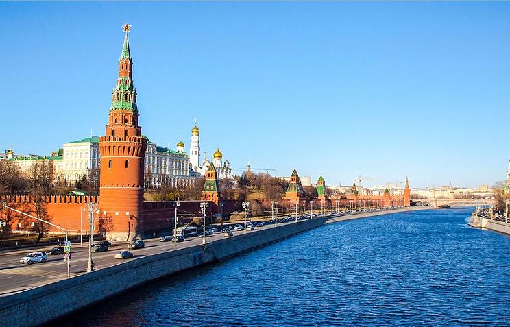 Обновлённую Кремлёвскую набережную открыли для пешеходов