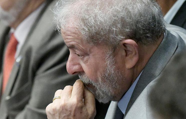 Прежнего президента Бразилии Лулу даСилву обвинили вкоррупции