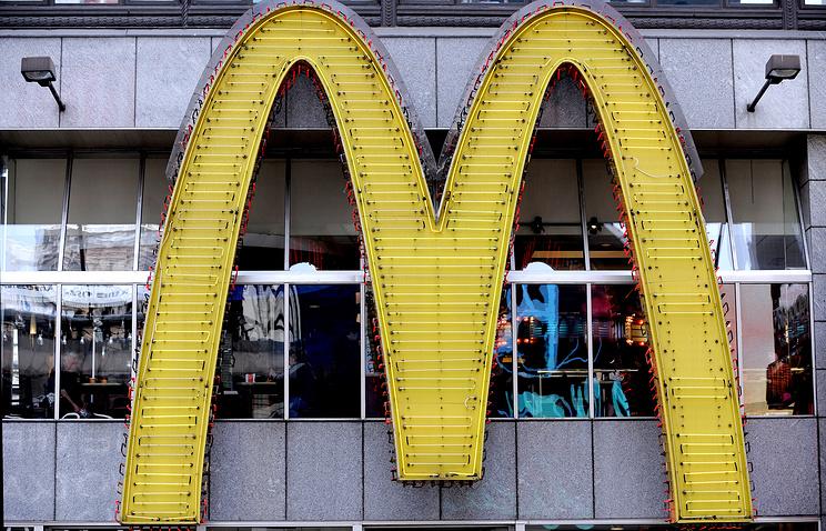 ВСША вооруженные люди захватили заложников в помещении McDonald's