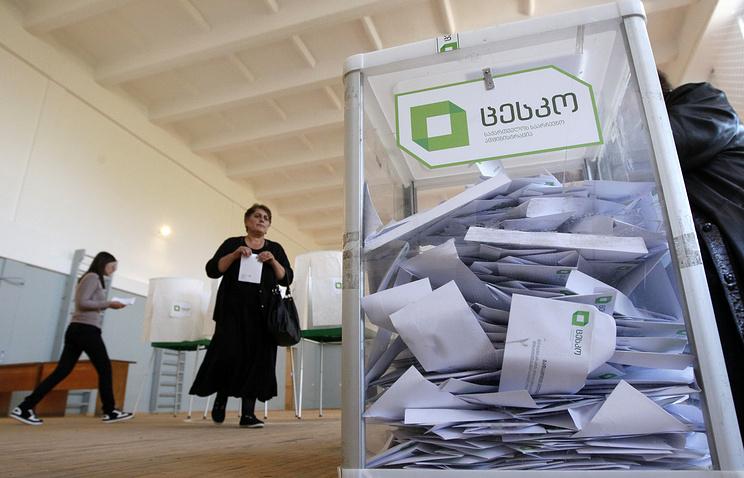 На15.00 голосование проходит с небольшими нарушениями— Наблюдатели
