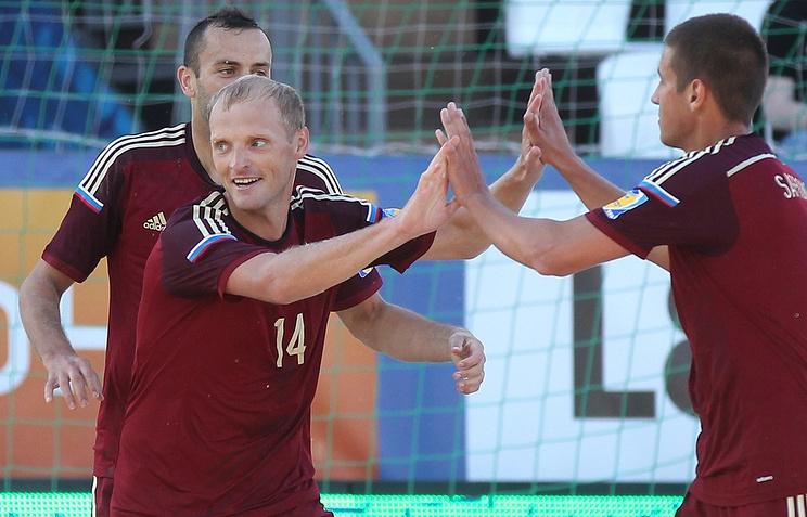 Российская Федерация сыграет сБразилией вполуфинале Межконтинентального кубка попляжному футболу