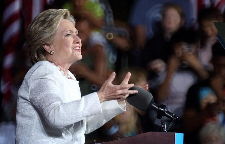Опрос: уизбирателей вСША имя Клинтон ассоциируется соскандалом