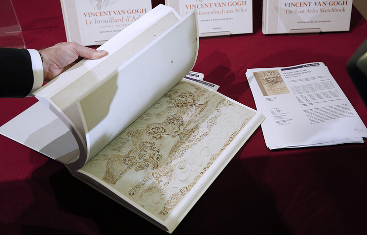 Книгу из65 неизвестных рисунков Ван Гога представили встолице франции