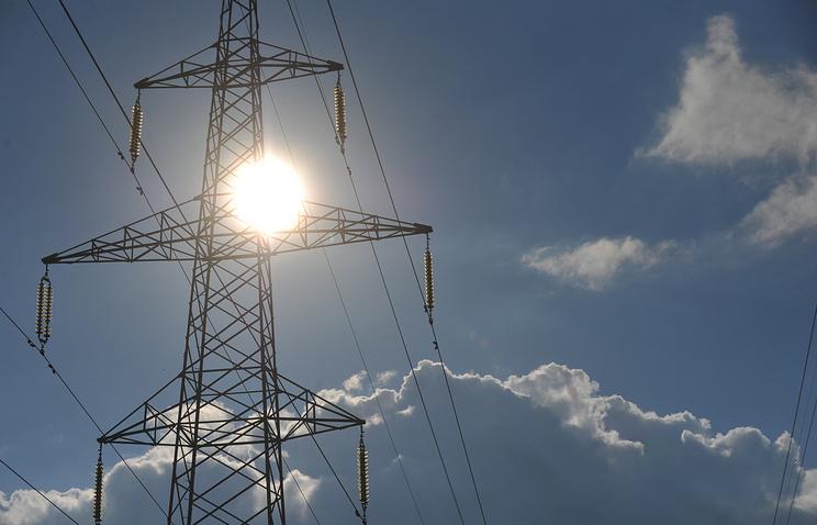 Внаселенных пунктах Центральной части Российской Федерации продолжаются работы повосстановлению энергоснабжения rss