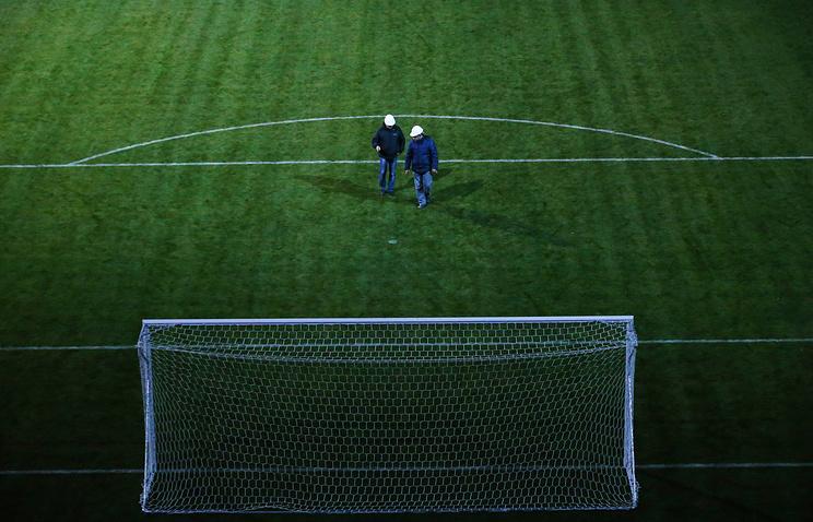 FIFA неустраивают поле икрыша наарене вПетербурге