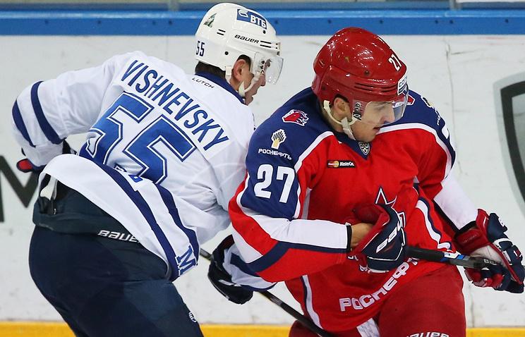 Хоккеисты «Динамо» обыграли ЦСКА всерии буллитов