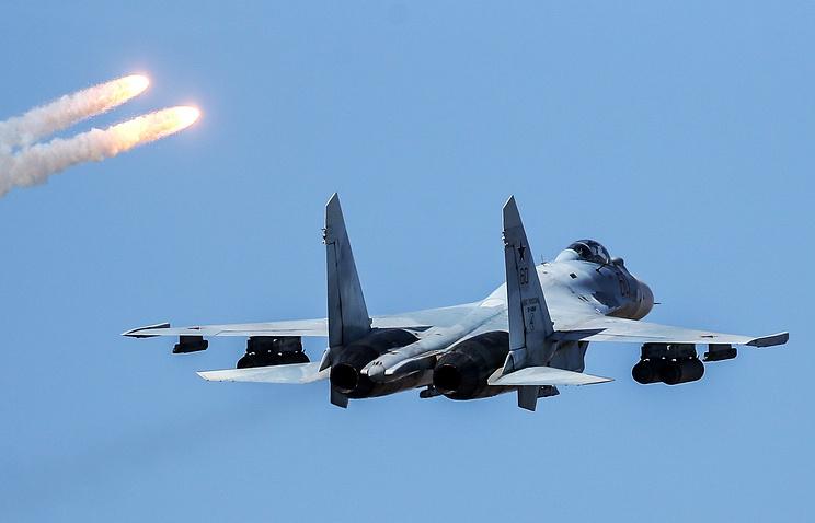 Технику группового пилотирования отработали Су-35 авиаполка ВВО вХабаровском крае