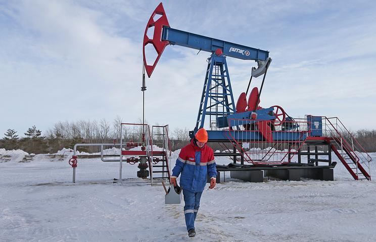 Российская Федерация понизит добычу нефти на 300 000 баррелей всутки