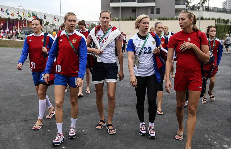 Трефилов объявил состав женской сборной Российской Федерации погандболу начемпионат Европы