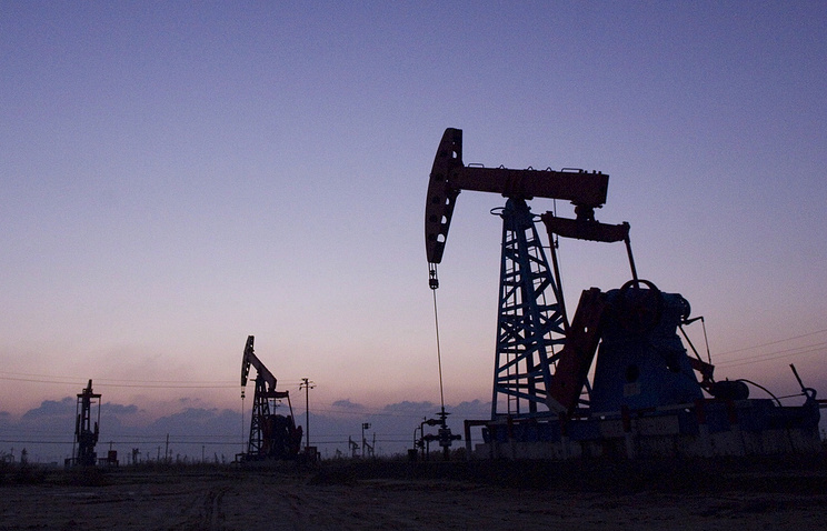 Оман объявил оготовности уменьшить суточную добычу нефти на5