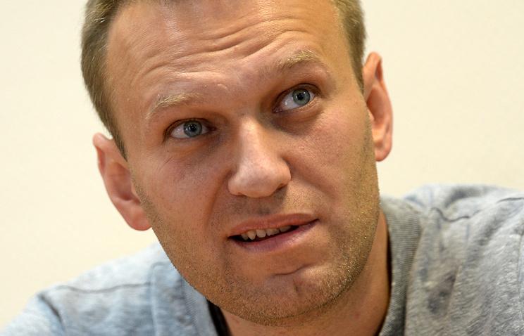 Обвинитель потребовал принудительно доставить Навального нарассмотрение дела «Кировлеса»