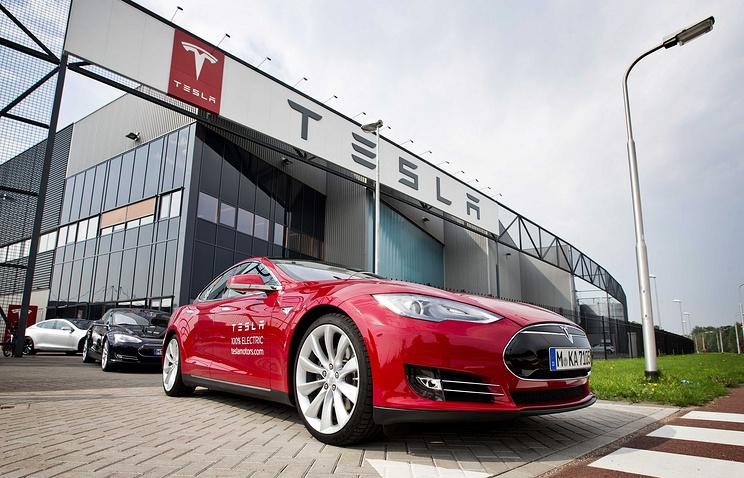 Tesla нашла неисправность вадаптерах для зарядки собственных авто