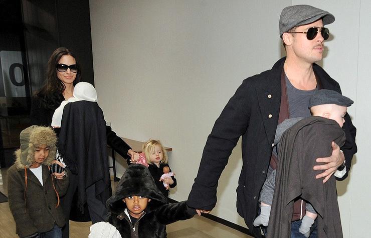 Брэд Питт объявил, что Анджелина Джоли травмирует психику ихдетей