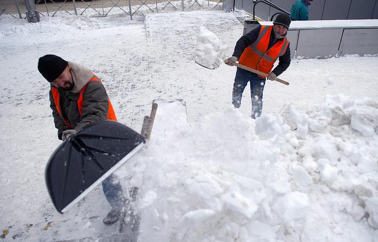 ВНовосибирске ввели режимЧС из-за снегопадов