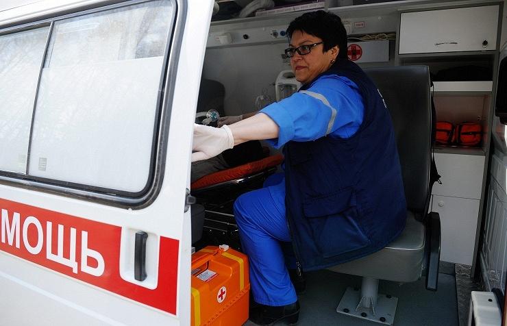 В столице психически больной мужчина избил 2-х служащих скорой помощи