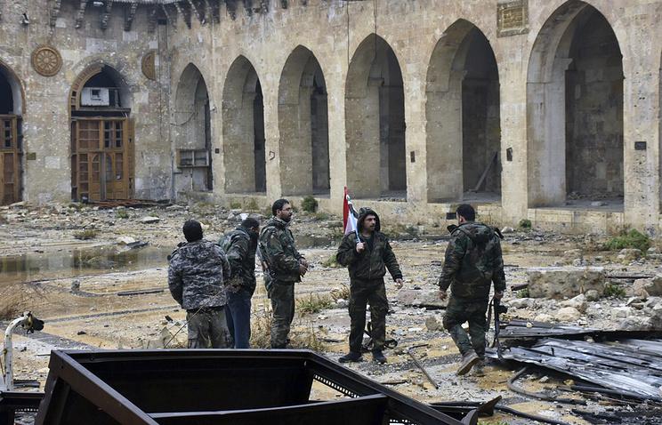 Красный Крест вывез неменее тысячи человек извосточного Алеппо